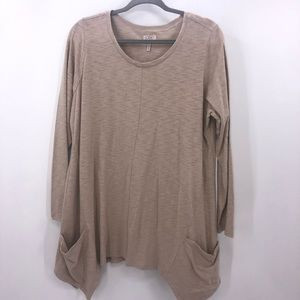LOGO Oatmeal Slub Knit Pocket Scoop Neck Top 1X